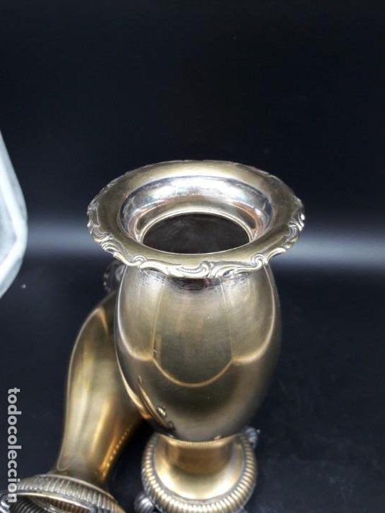 Antigüedades: Pareja floreros metal - Foto 5 - 200149383