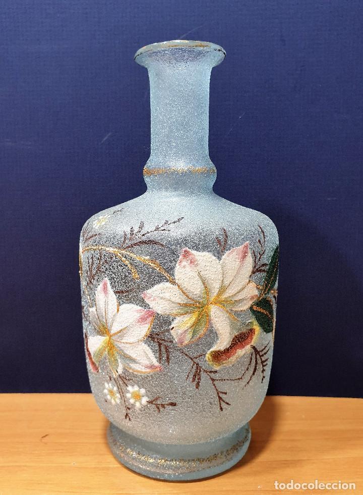 Antigüedades: Botella de noche de cristal esmaltado con platito. La Industria, fábrica de vidrios de Gijón. - Foto 4 - 200150208