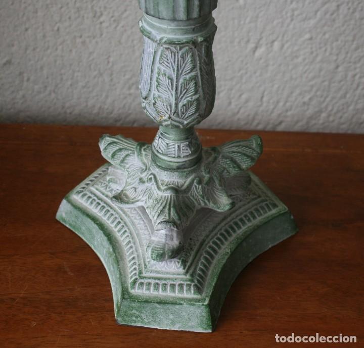 Antigüedades: ENORME CANDELABRO PORTAVELAS DE BRONCE MACIZO RELIEBES PATINA COLOR VERDE - ALTURA 47 CM PESO 2330 G - Foto 2 - 200168920
