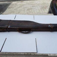 Antigüedades: MALETIN PARA ESCOPETA EN PIEL ANTIGUA Y BUENA. Lote 200170328
