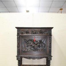 Antigüedades: MUEBLE ANTIGUO BARGUEÑO TALLADO ESTILO RENACIMIENTO ESPAÑOL. Lote 200262260