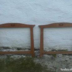 Antigüedades: BONITA PAREJA DE MARCOS MODERNISTAS ANTIGUOS MIREN FOTOS . Lote 200283415