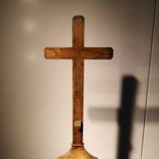 Antigüedades: CRUZ DE MADERA CON INCRUSTACIONES SIGLO XVIII-XIX CRUCIFIJO. Lote 200286097