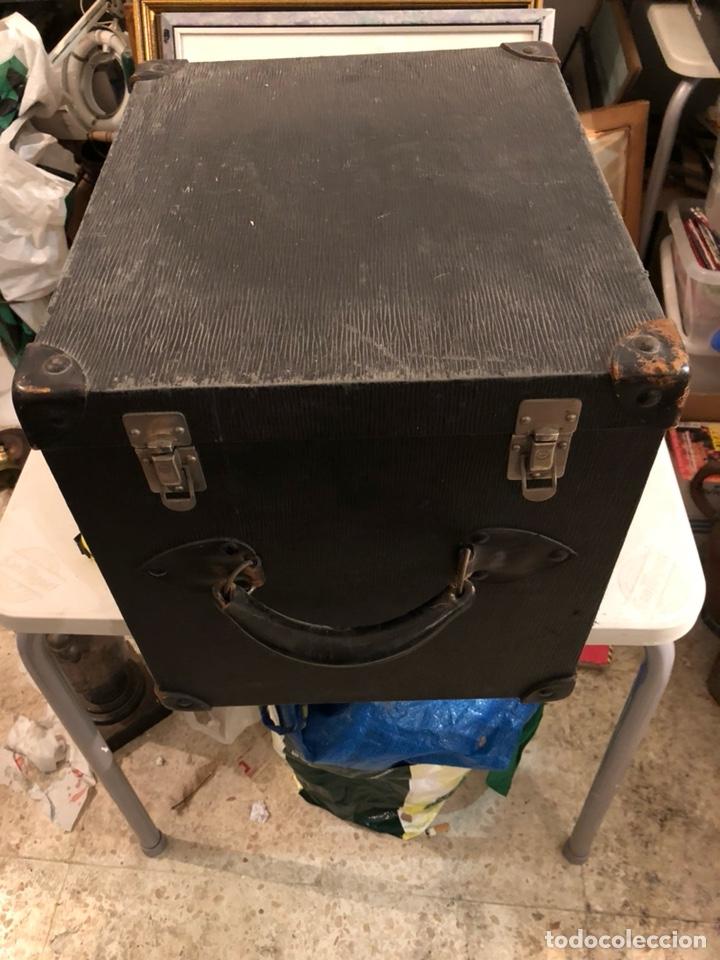 PRECIOSO BAÚL O CAJA ANTIGUA AÑOS 20 (Antigüedades - Muebles Antiguos - Baúles Antiguos)