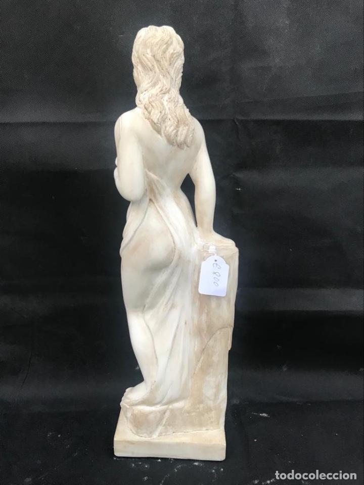 Antigüedades: Talla de mujer en mármol travertino italiano - Foto 2 - 200299858
