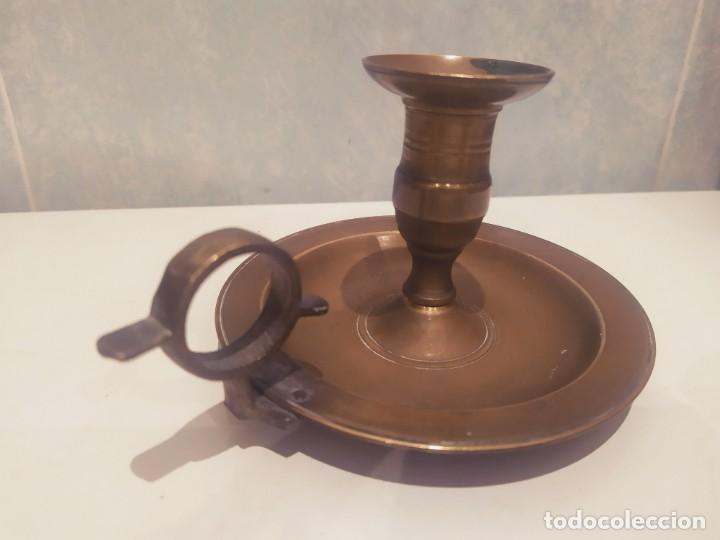 Antigüedades: ANTIGUO PORTAVELAS DE LATÓN/BRONCE, BUEN ESTADO - Foto 2 - 200305941