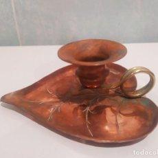 Antigüedades: PORTAVELAS EN FORMA DE FLOR . Lote 200306687