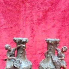 Antigüedades: PAREJA DE JARRONES MOREAU-. Lote 200325067