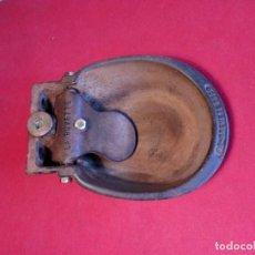 Antigüedades: ANTIGUO BEBEDERO PARA GANADO EN HIERRO FUNDIDO. Lote 200328388