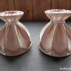 Antigüedades: ** 2 ANTIGUAS TULIPAS PANTALLAS PARA APLIQUES O LÁMPARA EN TELA **. Lote 200335935