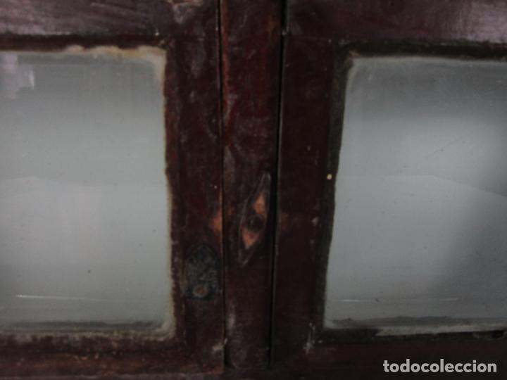 Antigüedades: Decorativa Ventana Plegable Antigua - Posible Ventana de Vagón de Tren, Carruaje - Madera - Foto 11 - 200352141