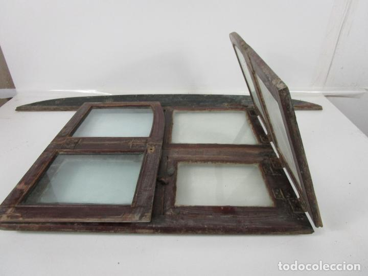 Antigüedades: Decorativa Ventana Plegable Antigua - Posible Ventana de Vagón de Tren, Carruaje - Madera - Foto 15 - 200352141