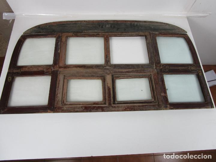 Antigüedades: Decorativa Ventana Plegable Antigua - Posible Ventana de Vagón de Tren, Carruaje - Madera - Foto 22 - 200352141