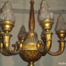Antigüedades: ANTIGUA LÁMPARA DE TECHO DE 6 BRAZOS. BRONCE CON TULIPAS DE CRISTAL EFECTO LLAMA. TODO ORIGINAL. Lote 200356386