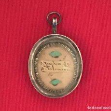 Antigüedades: ANTIGUO RELICARIO DE PLATA CON LACRE. Lote 200376010