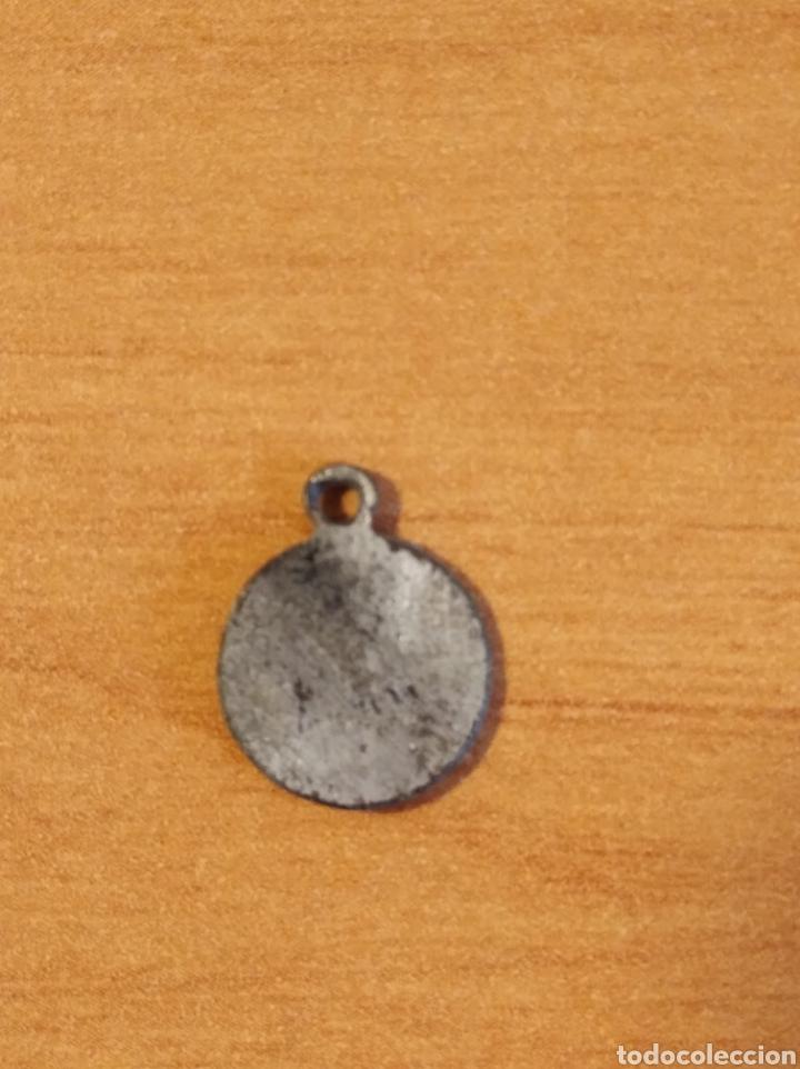 Antigüedades: MON 1487 - MEDALLA RELIGIOSA - DELICADOS DETALLES REALIZADA EN COSPEL DE ÉPOCA - Foto 5 - 200513327