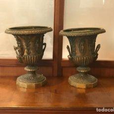 Antigüedades: PAREJA DE JARDINERAS EN BRONCE FRANCESAS SIGLO 19. Lote 200519148
