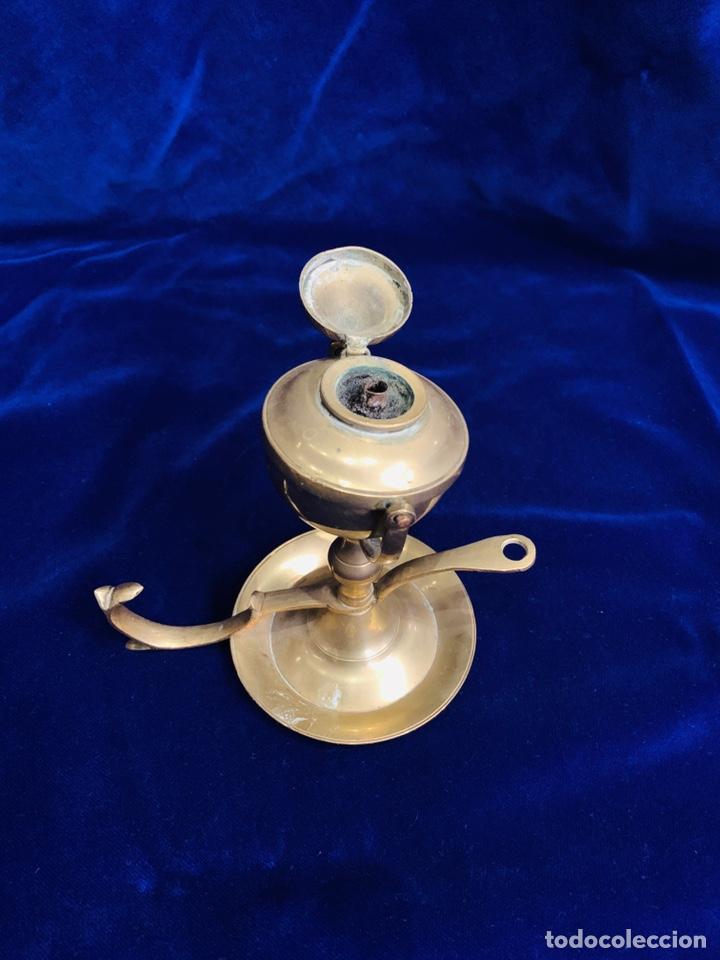 Antigüedades: Antiguo candil/ palmatoria de aceite realizada en bronce - Foto 2 - 200528173