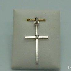 Antigüedades: CRUZ CON 1 BRILLANTES EN ORO BLANCO EN ORO DE 750MM.CA.1950. Lote 200551737