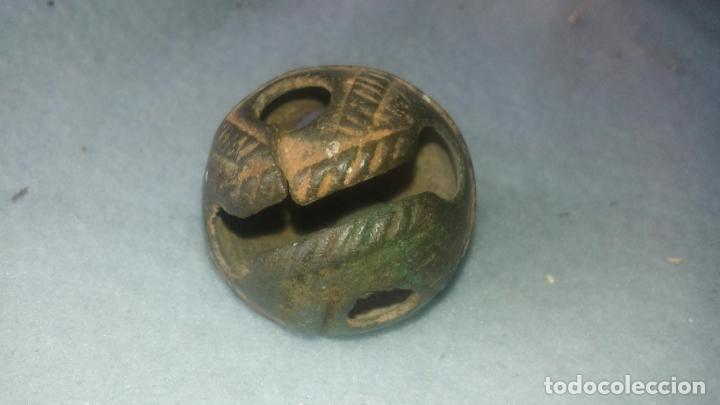 Antigüedades: ANTIGUO CASCABEL MEDIEVAL EN BRONCE - SIGLOS XVII-XVIII - DECORADO - COMPLETO CON SU BOLA - Foto 10 - 200562130