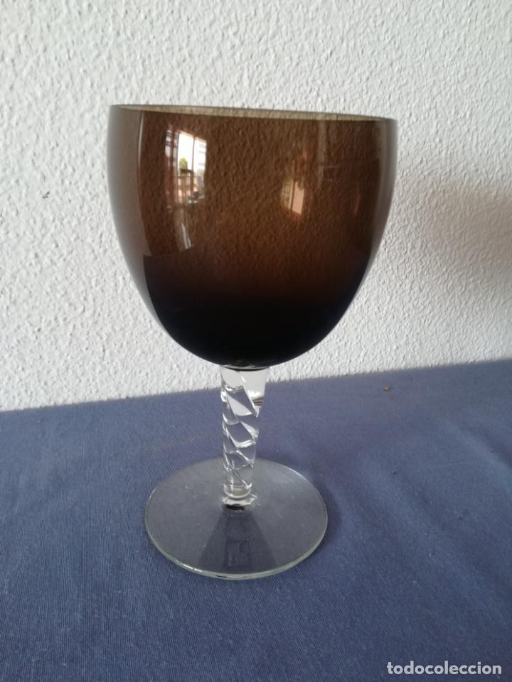 Antigüedades: Copa de cristal de Murano de los años 80, altura 20 cm (con 2 chips) - Foto 3 - 200589661