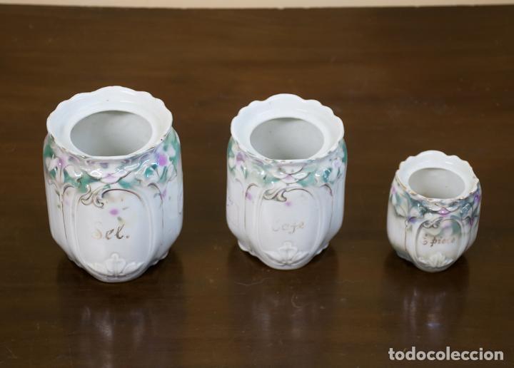 TRES TARROS MODERNISTAS DE PORCELANA DE COCINA, FRANCIA (Antigüedades - Porcelana y Cerámica - Francesa - Limoges)
