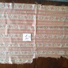 Antigüedades: 78X59 CM ANTIGUO RETAL PARA CONFECCIONES RELIGIOSAS VIRGEN NIÑO JESUS FONDO CAPILLA SEMANA SANTA. Lote 200835473