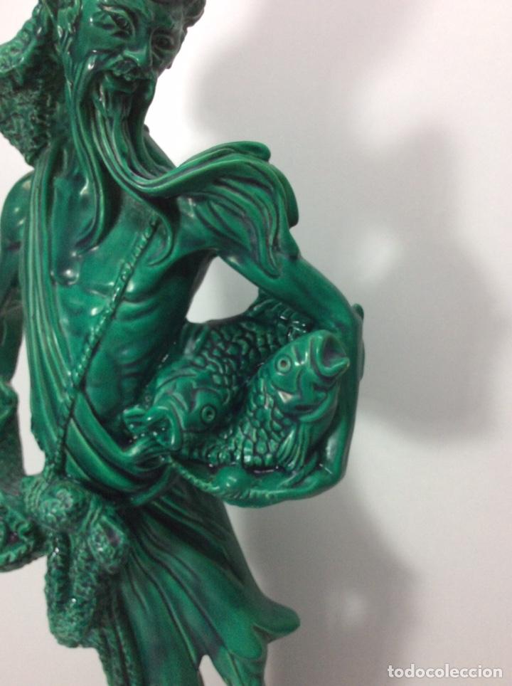 Antigüedades: Figura pescador asiático resina o plástico 48x19x8.5cm. Base 13cm - Foto 5 - 200868690