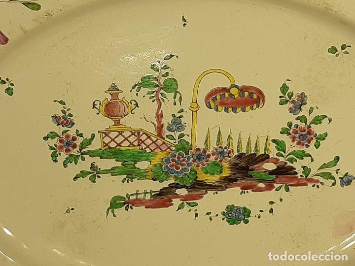 Antigüedades: Fuente de cerámica policromada a mano. Estrasburgo. Francia. Siglo XVIII-XIX. - Foto 3 - 200888757