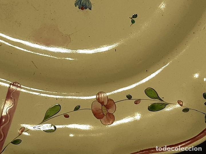 Antigüedades: Fuente de cerámica policromada a mano. Estrasburgo. Francia. Siglo XVIII-XIX. - Foto 7 - 200888757