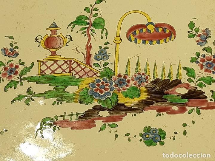 Antigüedades: Fuente de cerámica policromada a mano. Estrasburgo. Francia. Siglo XVIII-XIX. - Foto 9 - 200888757
