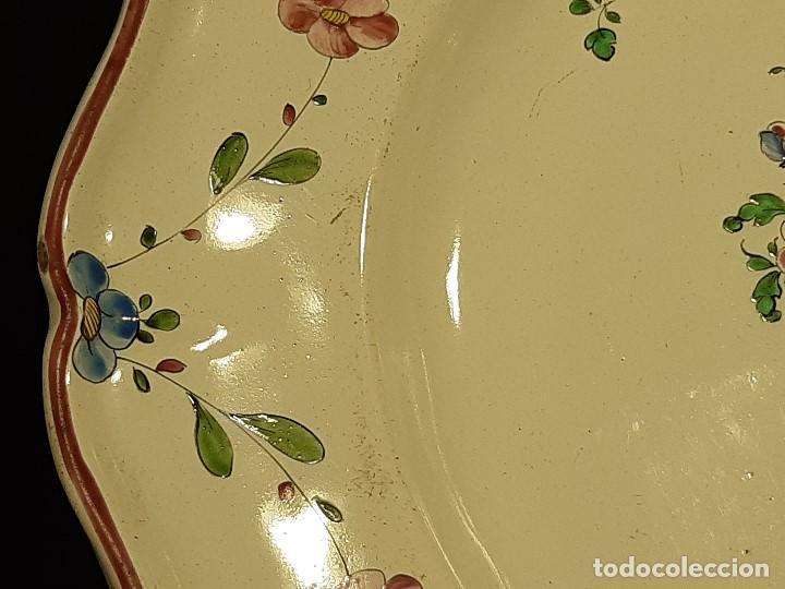 Antigüedades: Fuente de cerámica policromada a mano. Estrasburgo. Francia. Siglo XVIII-XIX. - Foto 13 - 200888757