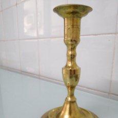Antigüedades: CANDELABRO DE IGLESIA, METAL DORADO. CIRCA 1910. MUY DELICADO. 18X11 CM. Lote 200894361