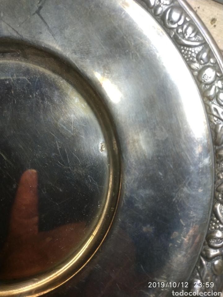 Antigüedades: Plato de plata con marcajes. - Foto 2 - 201113263