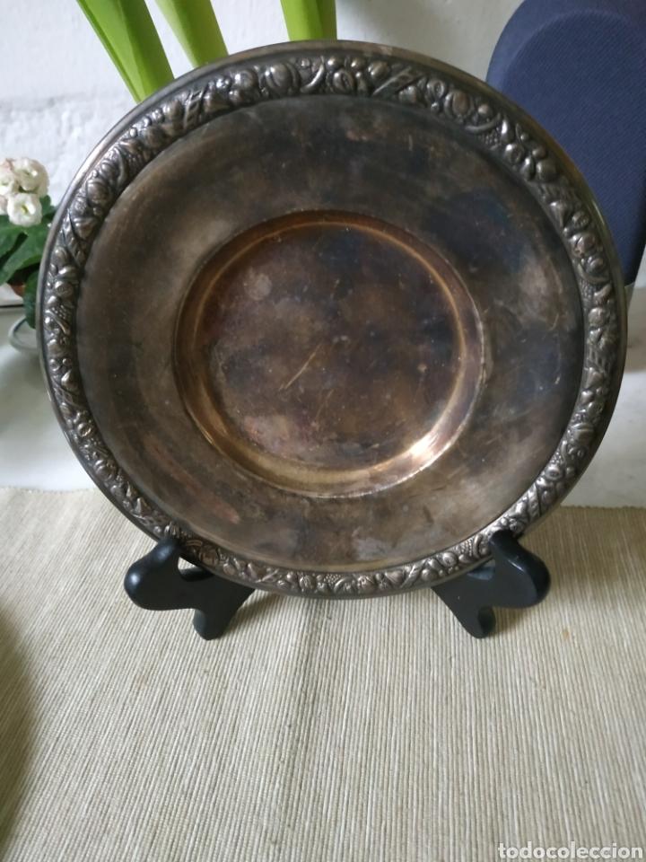 Antigüedades: Plato de plata con marcajes. - Foto 4 - 201113263