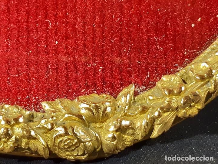 Antigüedades: Marco. Bronce dorado. Ovalado. Francia. Napoleón III. Siglo XIX. - Foto 8 - 201129796