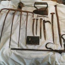 Antigüedades: LOTE DE OBJETOS DE FORJA CENTENARIOS. Lote 201149080