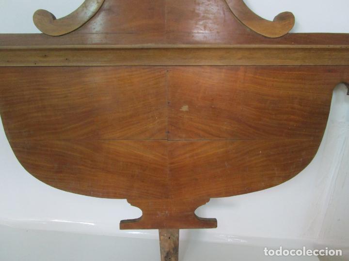Antigüedades: Cabezal de Cama Isabelina - Madera de Caoba - Forma de espiga Central - Principios S. XIX - Foto 3 - 201222526