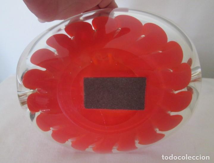 Antigüedades: Fantástico cenicero en cristal Murano diseño interior flor roja, pesado. Mide 20cm x 17cm x 8cm. - Foto 7 - 201252762