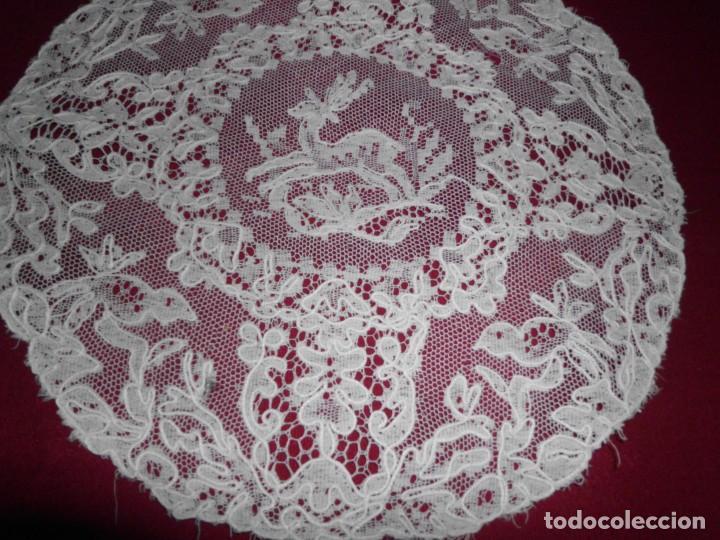 Antigüedades: Antiguo tapete de tul bordado con bobiné - Foto 4 - 201266403