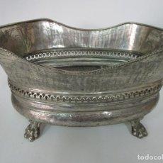 Antigüedades: CURIOSO ENFRIABOTELLAS PLATEADO - CUBITERA, CENTRO DE MESA - JARDINERA EN BAÑO DE PLATA - AÑOS 20-30. Lote 201277153