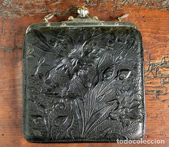 Antigüedades: ANTIGUO Y PRECIOSO BOLSO - H&B - ÉPOCA VICTORIANA - S.XIX - PÁJAROS - PIEL REPUJADA - NUMERADO - Foto 4 - 201288952