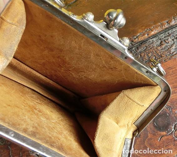 Antigüedades: ANTIGUO Y PRECIOSO BOLSO - H&B - ÉPOCA VICTORIANA - S.XIX - PÁJAROS - PIEL REPUJADA - NUMERADO - Foto 6 - 201288952