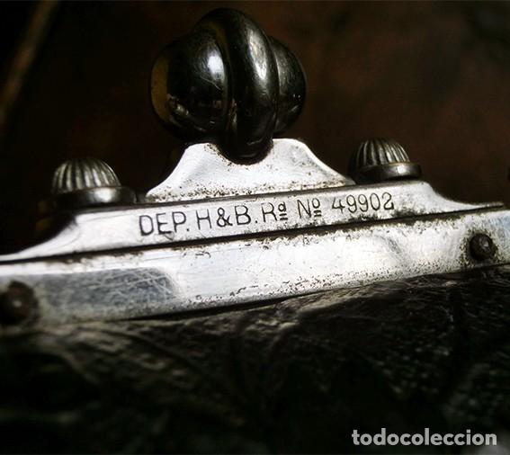 Antigüedades: ANTIGUO Y PRECIOSO BOLSO - H&B - ÉPOCA VICTORIANA - S.XIX - PÁJAROS - PIEL REPUJADA - NUMERADO - Foto 8 - 201288952