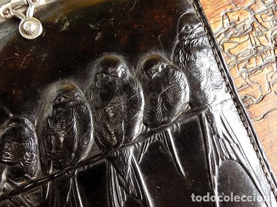 Antigüedades: ANTIGUO Y PRECIOSO BOLSO - H&B - ÉPOCA VICTORIANA - S.XIX - PÁJAROS - PIEL REPUJADA - NUMERADO - Foto 10 - 201288952