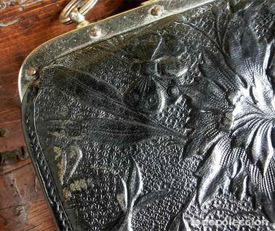 Antigüedades: ANTIGUO Y PRECIOSO BOLSO - H&B - ÉPOCA VICTORIANA - S.XIX - PÁJAROS - PIEL REPUJADA - NUMERADO - Foto 12 - 201288952
