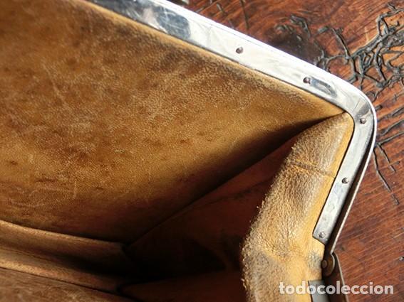 Antigüedades: ANTIGUO Y PRECIOSO BOLSO - H&B - ÉPOCA VICTORIANA - S.XIX - PÁJAROS - PIEL REPUJADA - NUMERADO - Foto 16 - 201288952
