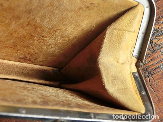 Antigüedades: ANTIGUO Y PRECIOSO BOLSO - H&B - ÉPOCA VICTORIANA - S.XIX - PÁJAROS - PIEL REPUJADA - NUMERADO - Foto 22 - 201288952