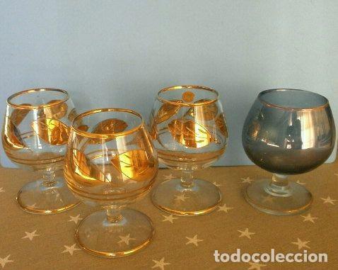 LOTE 4 COPAS BRANDY COÑAC VINTAGE (AÑOS 50-60) CRISTAL CON ESMALTE DORADO 9 CM ALTO (Antigüedades - Hogar y Decoración - Copas Antiguas)