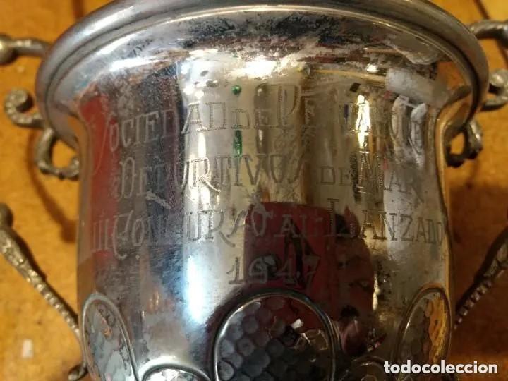 Antigüedades: Bonito trofeo plateado Sociedad de pescadores deportivo de mar III concurso al lanzado 1947 - Foto 3 - 201290735